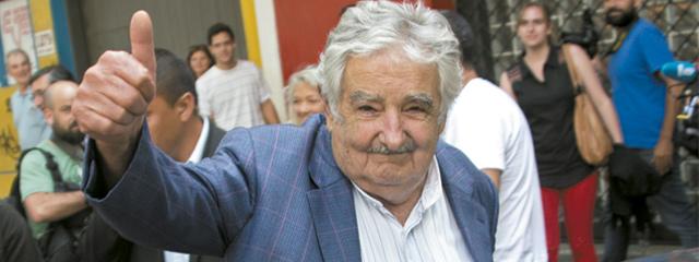 Presidentes del Mercosur despidieron a José Mujica de pie en su última cumbre