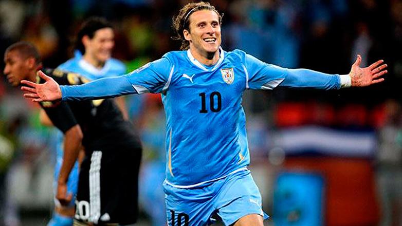 Diego Forlán colgó los botines celestes: se despidió de la selección uruguaya, orgulloso y emocionado