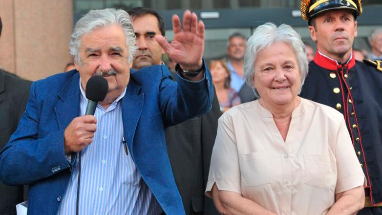 """La despedida de José Mujica: """"No me voy, estoy llegando"""""""