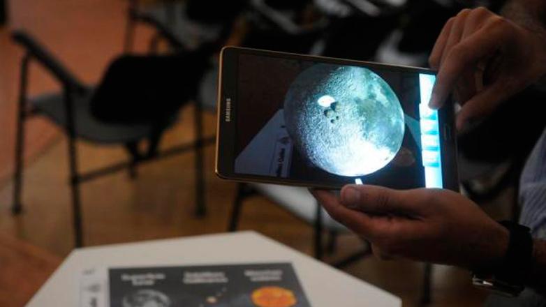 Uruguayos desarrollaron una herramienta de realidad aumentada que muestra planetas y satélites en 3D