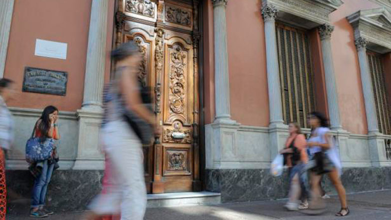 Uruguay otorga 100 residencias a extranjeros por semana