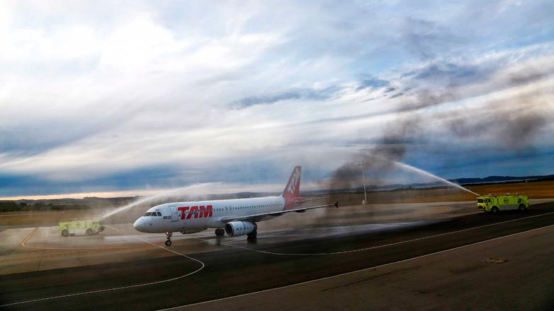 Dos frecuencias semanales de TAM Airlines unen Punta del Este con San Pablo sin escalas