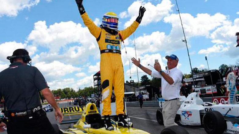 Santiago Urrutia a un paso del título de campeón de la Pro Mazda 2015
