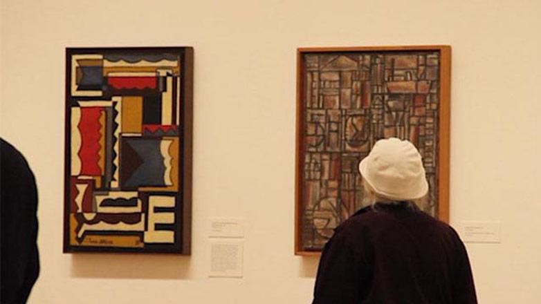 A horas de su apertura, la muestra de Torres García fascina a expertos del Moma
