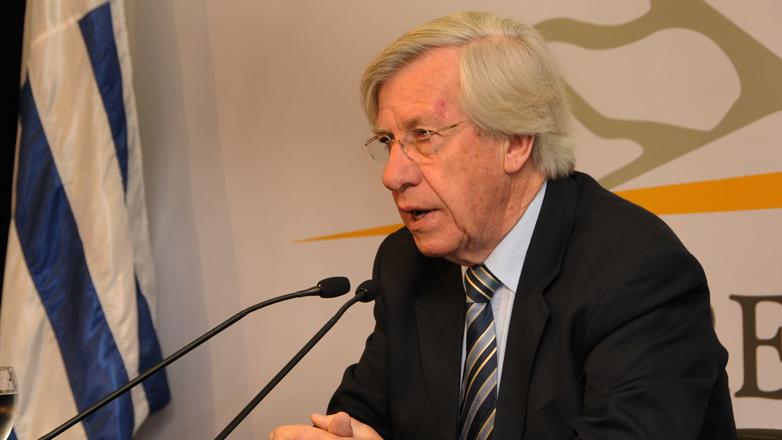 Uruguay colocó bono global por 1.700 millones de dólares y demanda alcanzó 3.000 millones