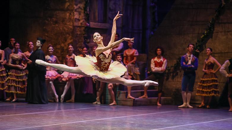 Gran gala 80º aniversario del Ballet Nacional del SODRE: Andan volando