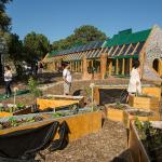 La primera escuela pública sustentable de Latinoamérica se asocia desde el comienzo a la marca Uruguay Natural