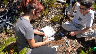 Dos uruguayos en el campamento de ciencia joven de Chile