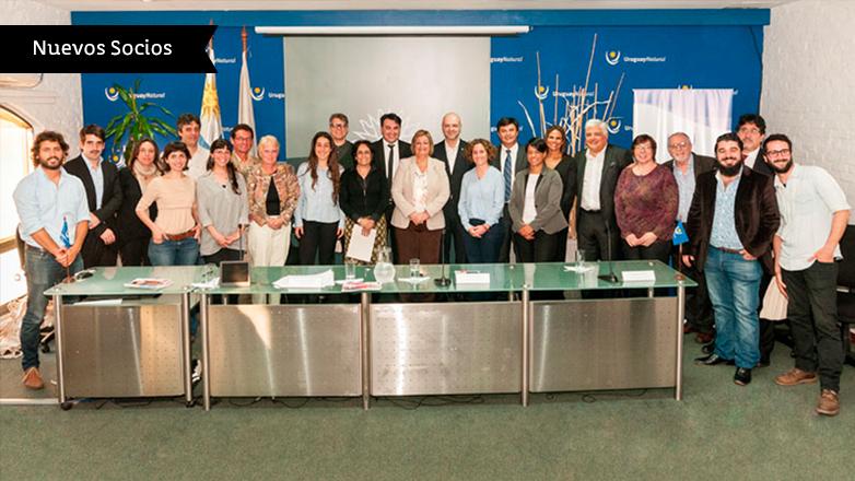 Más de 20 empresas firmaron convenio para asociarse a la Marca País