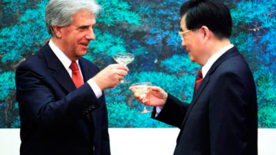 Tabaré Vázquez viajó a China en busca de nuevas oportunidades