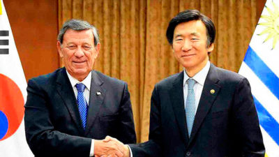South Korea and Uruguay agreed to promote a free-trade agreement with the Mercosur bloc