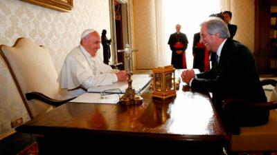 """Francisco y Vázquez se reunieron: """"Cuánto tiempo pasó"""", le dijo el Papa"""
