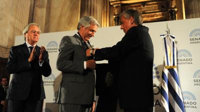 Tabaré Vázquez recibió Premio Derechos Humanos 2016 en nombre de todos los uruguayos
