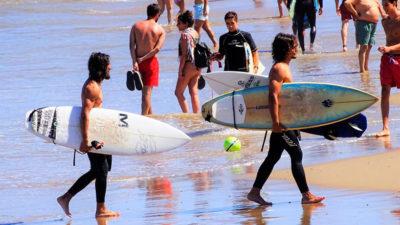 Los deportes dueños de las olas en Punta del Este