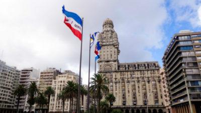 Palacio Salvo será restaurado y tendrá un faro en su cumbre