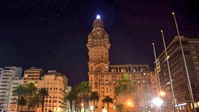 El Salvo ilumina Montevideo