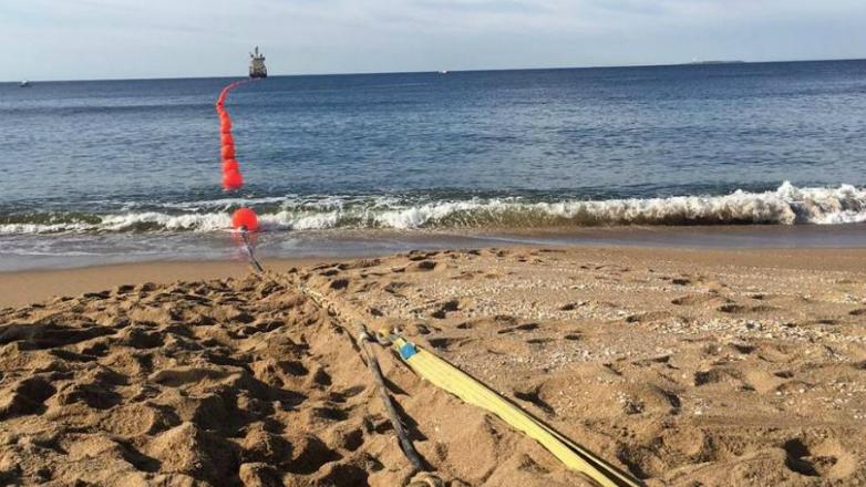 Antel inauguró el primer cable submarino y venderá banda ancha