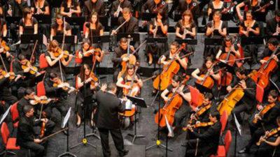"""Orquesta Juvenil presenta """"Cumparsita"""" junto al bandoneonista Ulises Passarella"""
