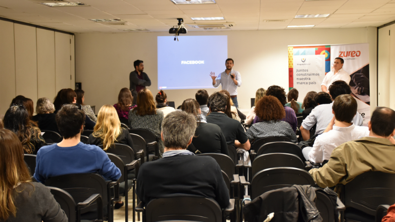 El e-commerce y el marketing digital fueron analizados en el último taller del año de Marca País