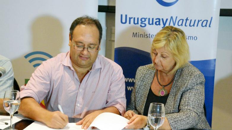El Teatro Florencio Sánchez de Paysandú incorpora la marca país Uruguay Natural