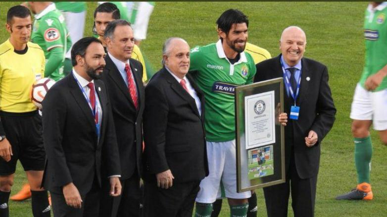 """""""Loco""""' Abreu recibió premio Guinness por sumar 26 clubes en su trayectoria"""