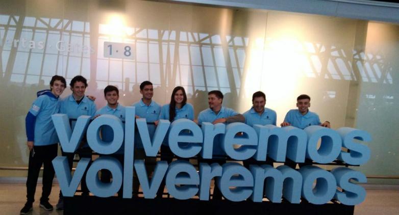 Liceales uruguayos viajaron a Canadá para participar en Mundial de Robótica