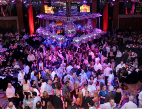 """La Noche de la Nostalgia cumple 40 años e invita a locales y turistas a celebrar bailando """"oldies"""""""