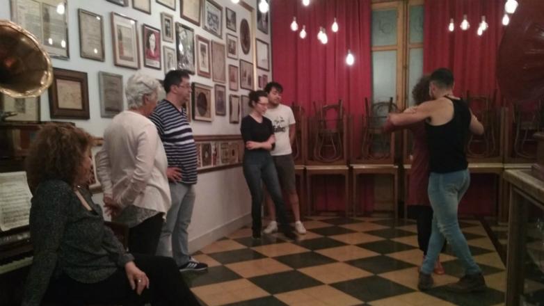 El Museo del Tango propone clases de tango para locales y turistas