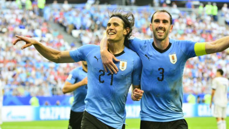 Cavani y Godín están nominados al Balón de Oro