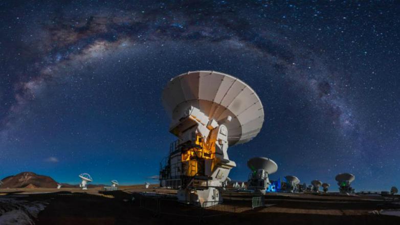 Estudiantes uruguayos miran al espacio exterior