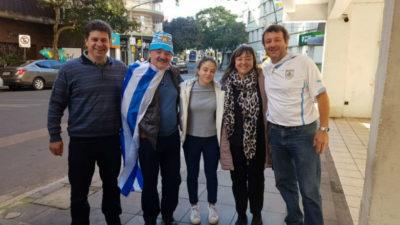 Porto Alegre comienza a pintarse de celeste: así se vive la previa de Uruguay-Japón