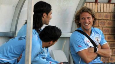 Diego Forlán recibió saludos muy especiales tras el anuncio de su retiro