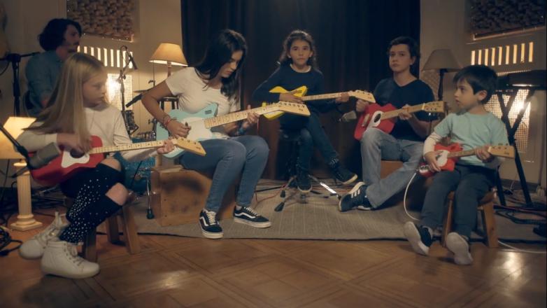 Nuevo éxito de Loog Guitars: superó largamente su campaña de crowdfounding en Kickstarter