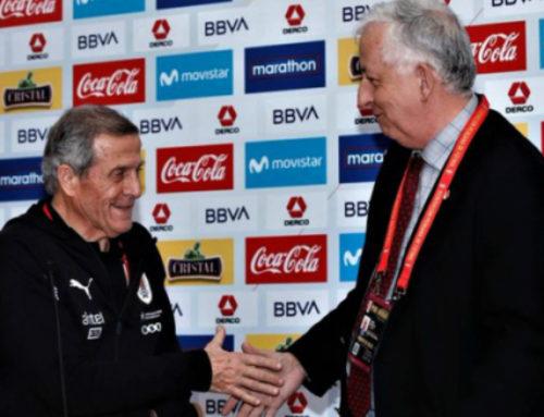 Tabárez y el emotivo reconocimiento de Perú por sus 200 partidos con Uruguay