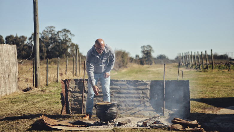 Llega al cine Criollo, un documental que retrata el alma de la cocina uruguaya