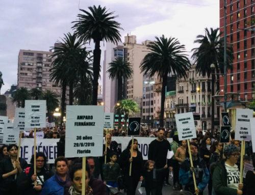 """En el Día Internacional de la Eliminación de la Violencia contra la Mujer, miles de uruguayas marcharon bajo el lema """"Siempre en nuestra memoria"""""""