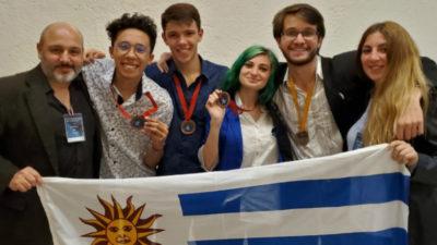 Estudiantes uruguayos ganaron medallas de oro y bronce en Olimpíada de Astronomía