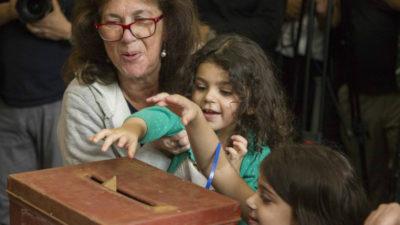"""Uruguay es una de las dos """"democracias exitosas"""" de la región, según ranking internacional"""
