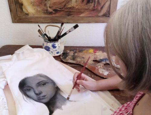 El Institut Pasteur celebra el Día de la Mujer y la Niña en la Ciencia con túnicas intervenidas