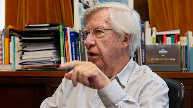 Calificadora de riesgo R&I ratifica grado inversor de Uruguay y mejora perspectiva