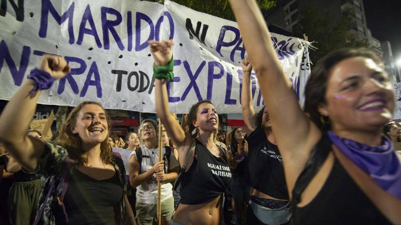 """""""Todas juntas y en las calles"""": cientos de miles de mujeres se movilizaron en un nuevo 8M"""