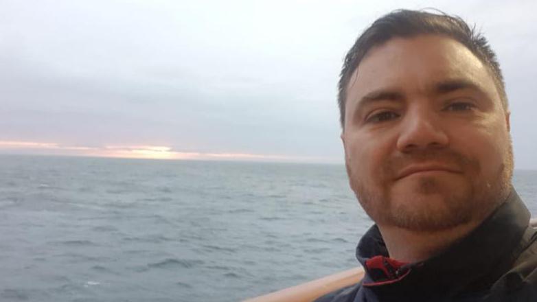 """Médico del Greg Mortimer regresó al buque tras homenaje: """"Yo era el que tenía que aplaudirlos a ellos"""""""