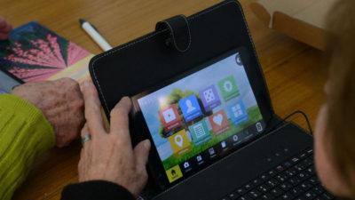 """Aumenta un 30% los usuarios de las tablets del Plan Ibirapitá: """"Uno se siente acompañadito"""""""