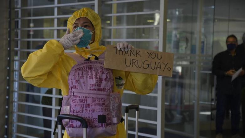 """""""Gracias Uruguay"""" y """"casi volver a nacer"""": así vivieron su traslado los tripulantes del Greg Mortimer"""