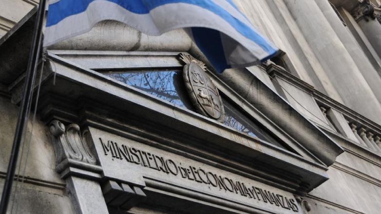 Uruguay confirma emisión de bonos en dólares y unidades indexadas