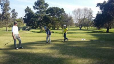 El golf tuvo un auspicioso retorno en los clubes uruguayos