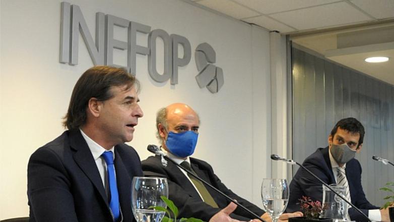 """Lacalle en acuerdo entre Inefop y Microsoft: """"El mundo moderno está diseñado para la capacidad uruguaya"""""""