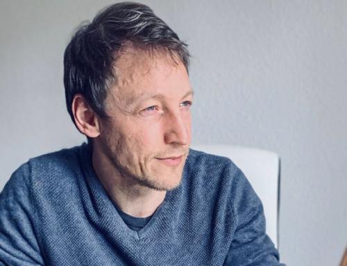"""El físico uruguayo Rafael Porto ganó el Buchalter Cosmology Prize 2020 por su artículo """"Señales de un universo cuántico"""""""