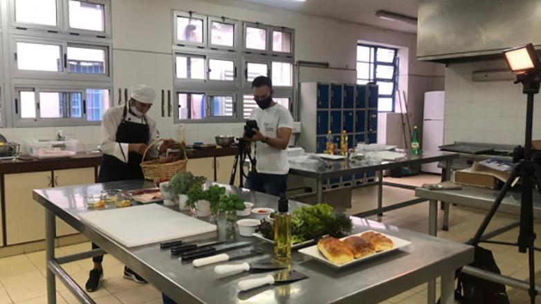 Uruguayo hizo un chivito al pan y ganó un concurso gastronómico en China