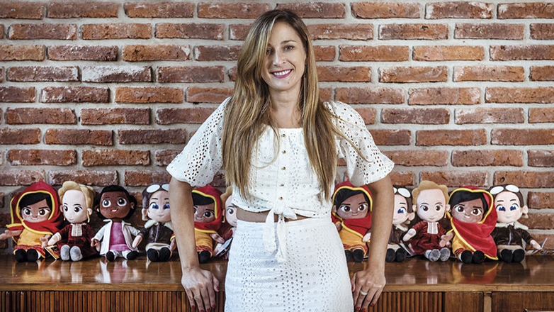 Little Rebels: la didáctica línea de muñecas de peluche que representan a mujeres pioneras